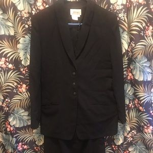 BLACK 2 pc SUIT WITH SKIRT SZ 10TALL